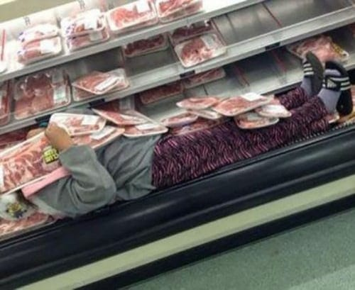 Hilarious Photos That Real Walmart Shoppers Caught On Camera