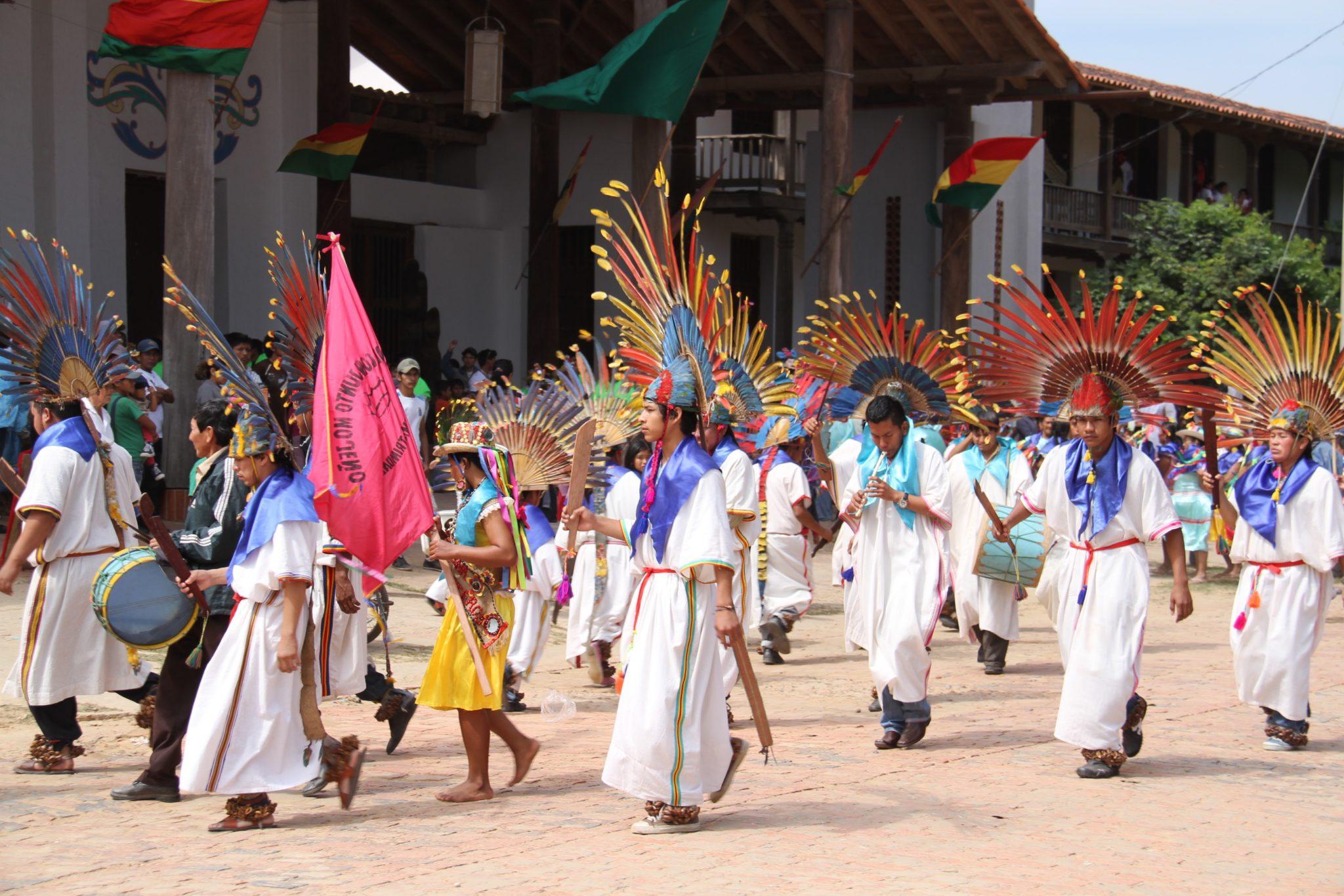 People dancing Macheteros on the street